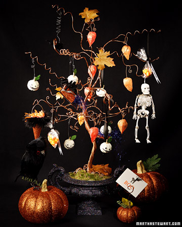 3029_101207_halloweentree_xl.jpg