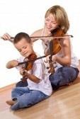 Ребенок музицирует
