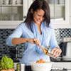 Должна ли женщина уметь готовить?